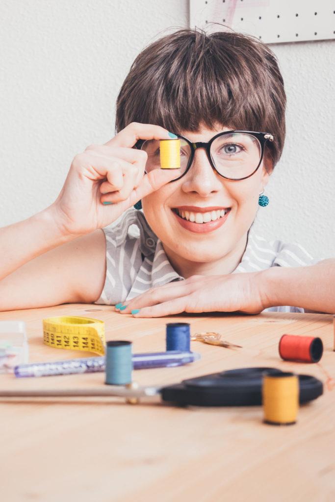 sobre mi Esther Martínez - instructora de costura y patronaje